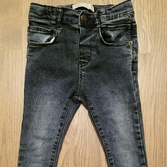 Zara Baby boy skinny jeans. M 5a5600e2a44dbe1f8b0025c5 2af684e2fe3